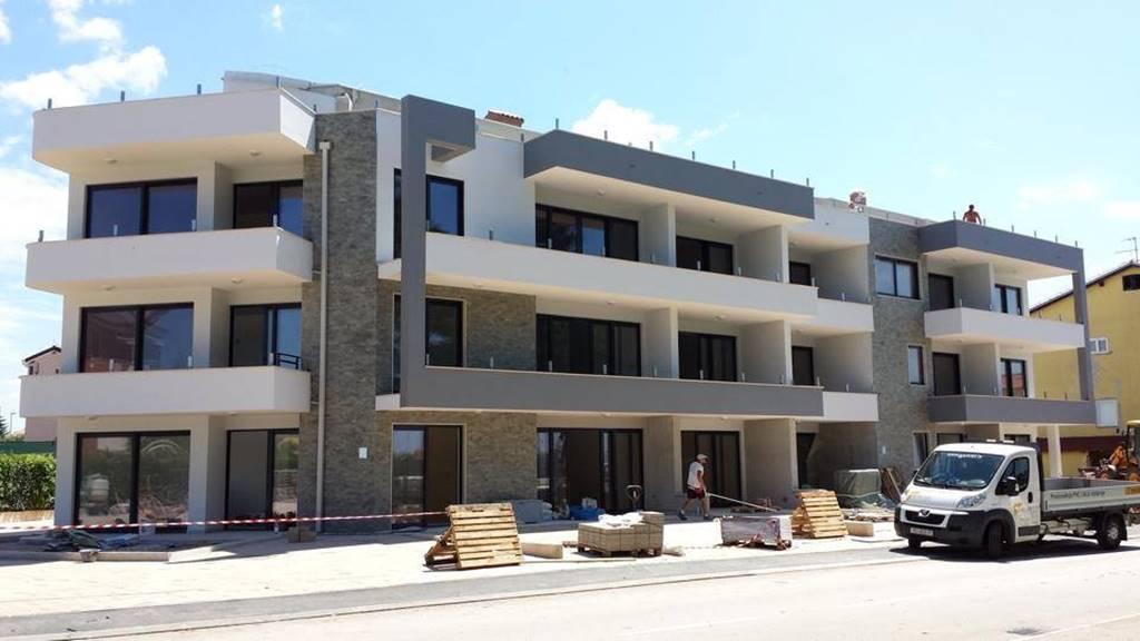 Stambena zgrada Novigrad